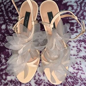 Ann Taylor Nude Camille Bloom Sandals 6M